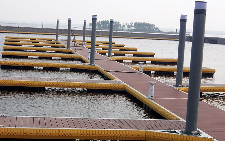 Composite-Dock-Decking