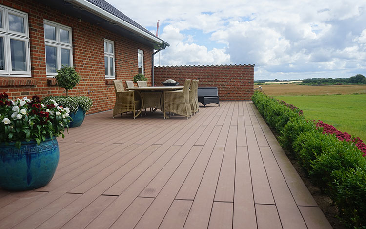 deck-garden-ideas