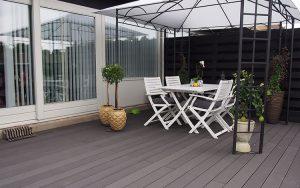 Front-Porch-decking-Ideas