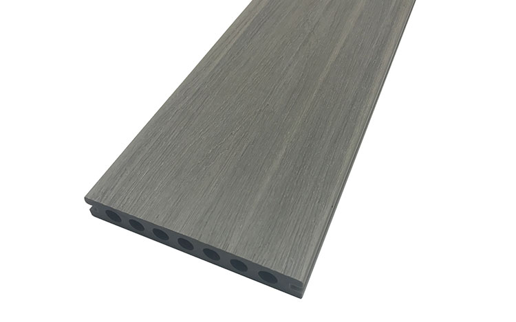 difference between capped composite decking and uncapped